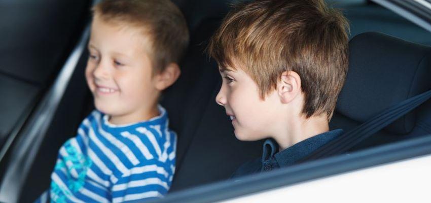 5 порад щодо підтримання чистоти автомобіля із дітьми