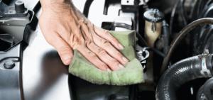 10 найкращих порад та підказок щодо чистки та миття двигуна автомобіля