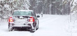 Як захистити автомобіль від дорожньої солі та зимової погоди