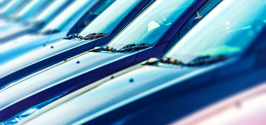 Продаєте свій автомобіль? Проведіть детальну очитку – та заробіть більше!